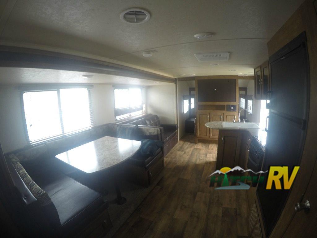 Forest River Wildwood 263bhxl Travel trailer Interior